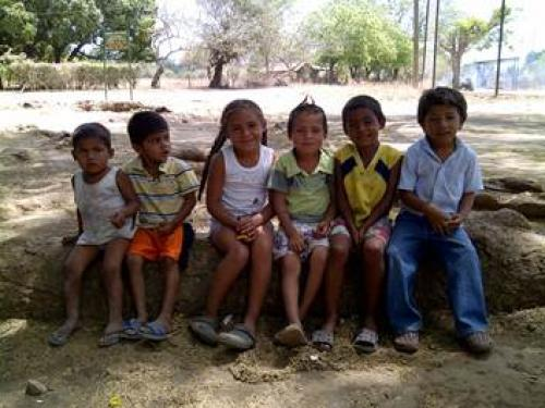 Children in the community of El Trohilo